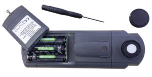 vervangen van batterijen UV-A meter - HACCP